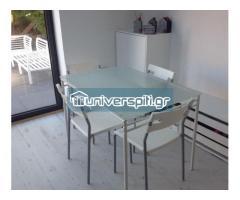 Τραπέζι κουζίνας και δυο καρέκλες