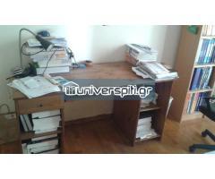 Γραφείο και καρέκλα γραφείου