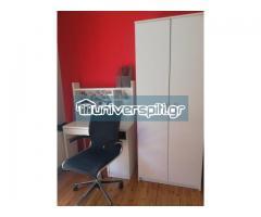γραφείο , πολυθρόνα, ντουλάπα