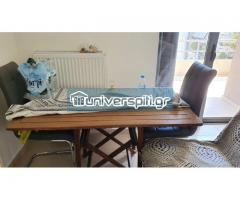 Τραπέζι μαζί με δύο καρέκλες βεράντας