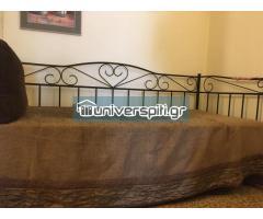 Μαύρο μεταλλικό κρεβάτι μαζί με στρώμα σε άριστη κατάσταση